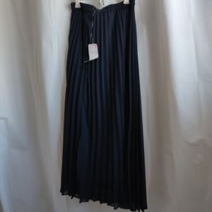 NWT Uniqlo skirt maxi